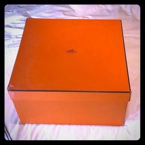 Hermès Birkin box.